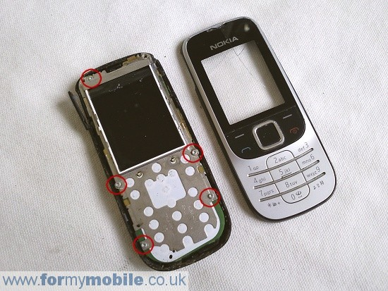 Nokia 2330 Classic disassembly stage 3