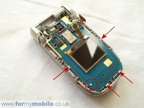 Nokia 2760 disassembly stage 5