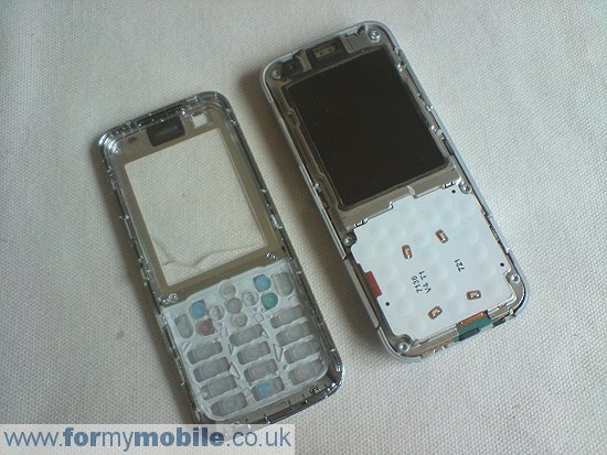 Nokia 6120 Classic disassembly stage 3