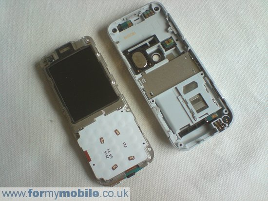 Nokia 6120 Classic disassembly stage 4