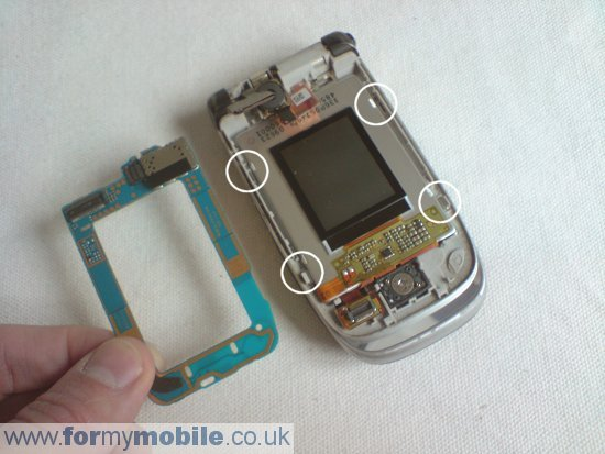 Nokia 6131 disassembly stage 4