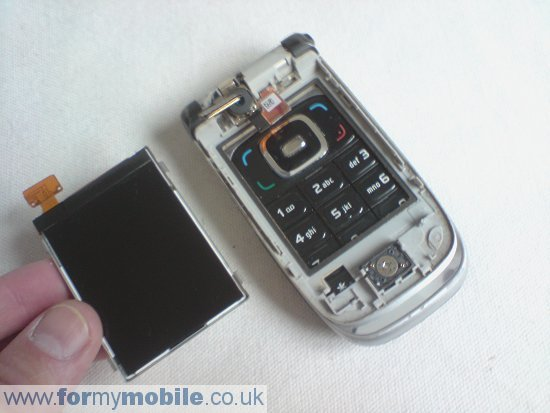 Nokia 6131 disassembly stage 5