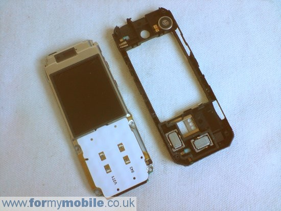 Nokia 7310 Supernova disassembly stage 4