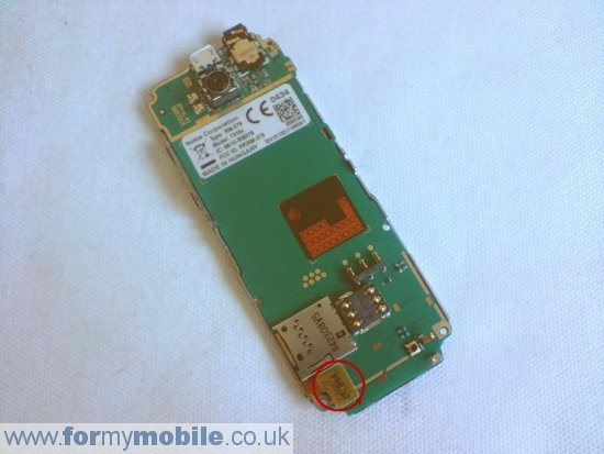 Nokia 7310 Supernova disassembly stage 5