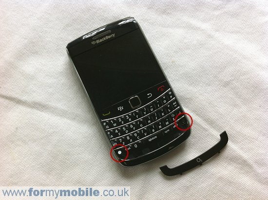 BlackBerry Bold 9700 disassembly stage 3
