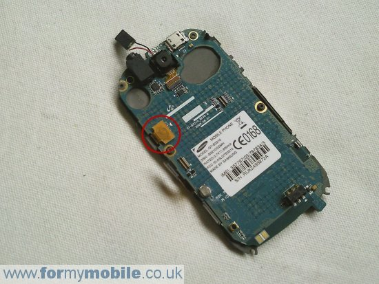 Samsung B3210 Genio QWERTY disassembly stage 7