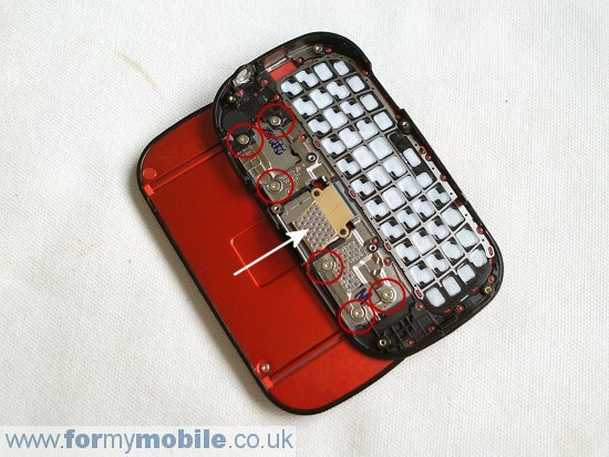 Samsung Genio Slide B5310 disassembly stage 7
