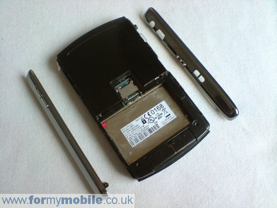 BlackBerry 8800 disassembly stage 3