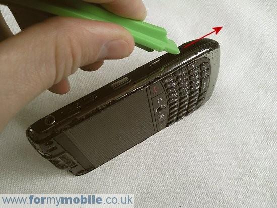 BlackBerry Curve 8900 disassembly stage 3