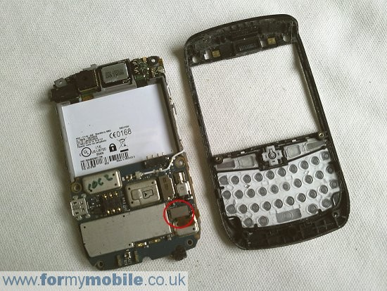BlackBerry Curve 8900 disassembly stage 6