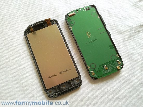 Nokia C5-03 disassembly stage 7
