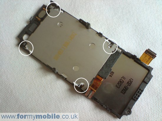 Sony Ericsson C702 disassembly stage 14