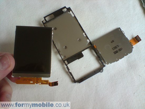 Sony Ericsson C702 disassembly stage 17