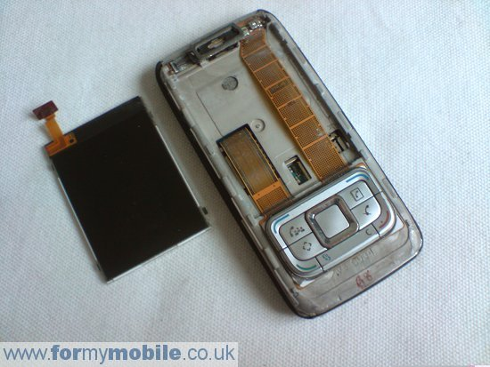 Nokia E65 disassembly stage 4