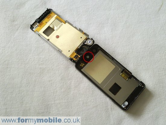 LG Pop GD510 disassembly stage 6