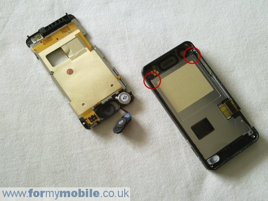 LG Pop GD510 disassembly stage 7