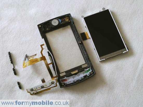 LG GT500 disassembly stage 7