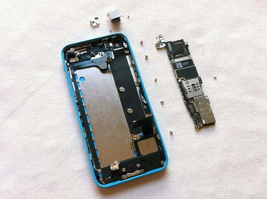 iPhone 5C disassembly stage 27
