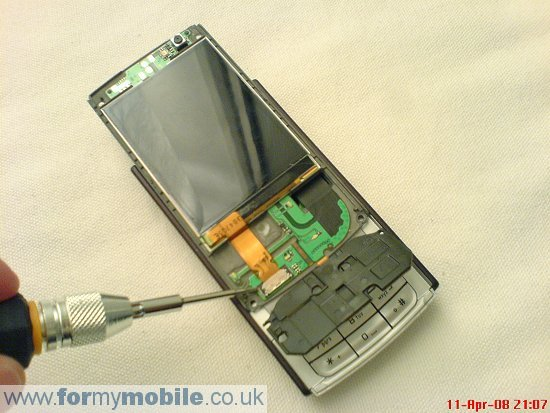 Nokia N95 disassembly stage 6
