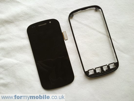 Samsung Nexus S i9020 disassembly stage 16
