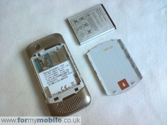 Sony Ericsson W395 disassembly stage 1