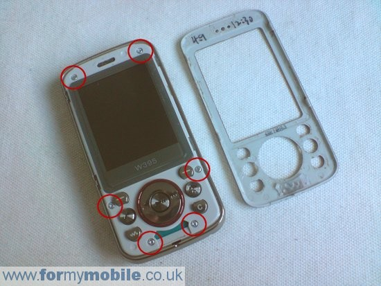 Sony Ericsson W395 disassembly stage 3