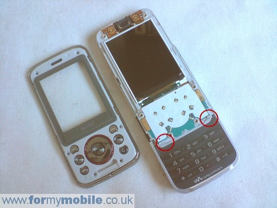 Sony Ericsson W395 disassembly stage 5