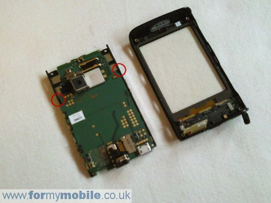 Sony Ericsson X10 Mini disassembly stage 7